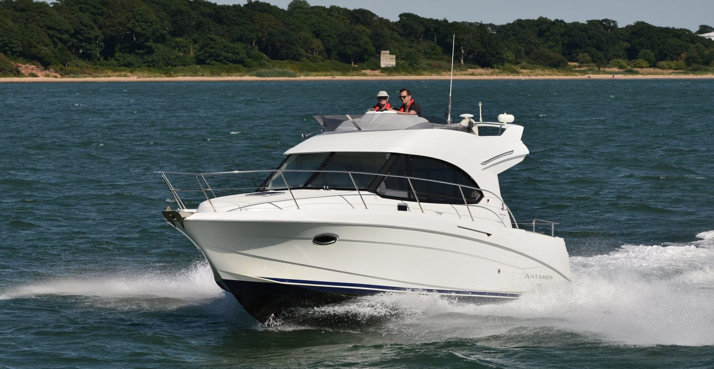 boat-timeshare-motor-beneteau-antares-30-1