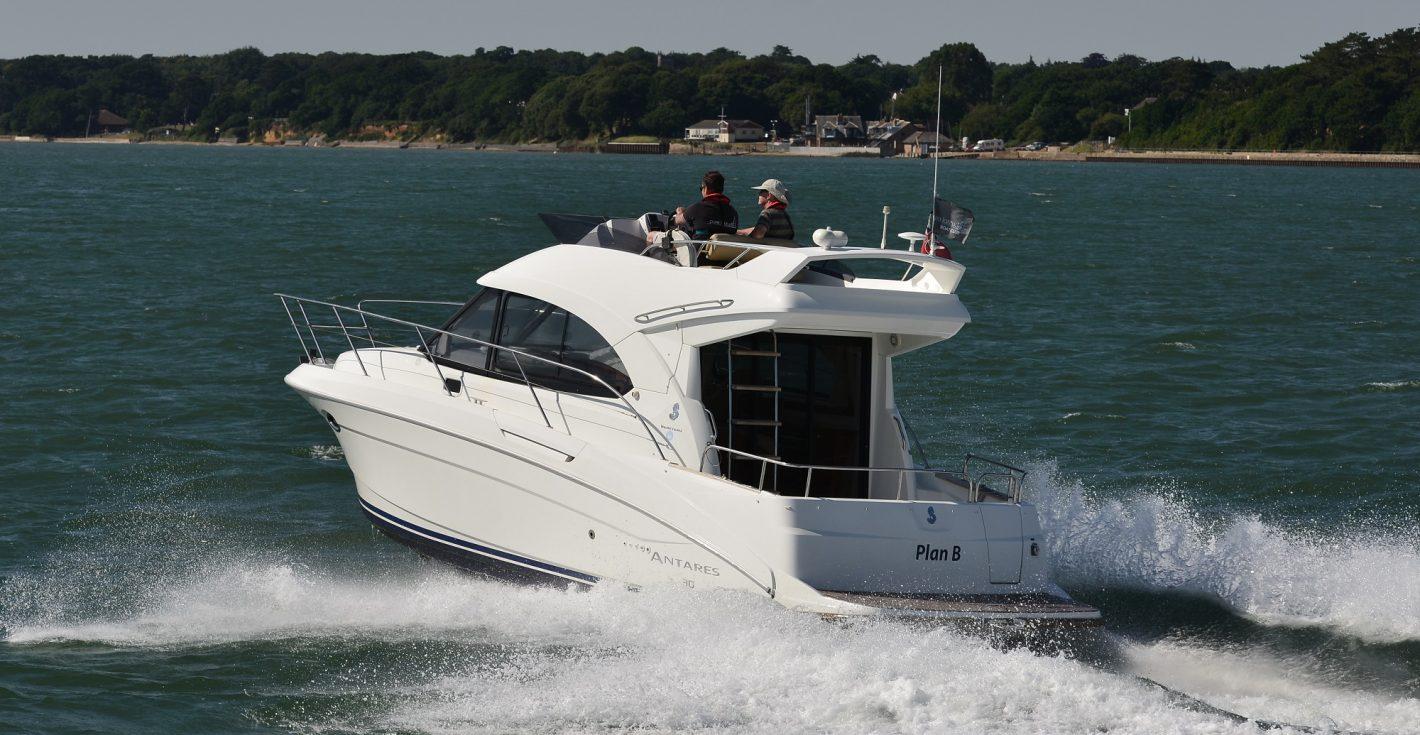 boat-timeshare-motor-beneteau-antares-30-2
